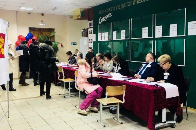 Кандидаты должны представить в территориальные избирательные комиссии документы, необходимые для регистрации, до 18.00 29 июля. Регистрация завершится 7 августа.