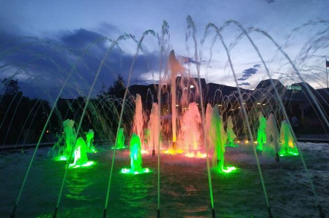 В Оренбурге на время отключили два городских фонтана.