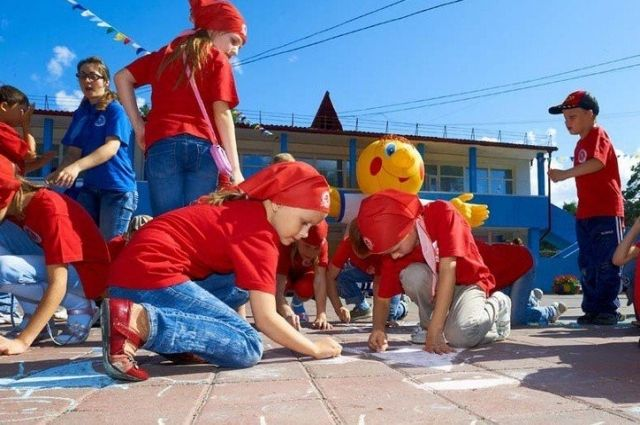 Тюменским детям обеспечили интересные и безопасные каникулы в летних лагеря