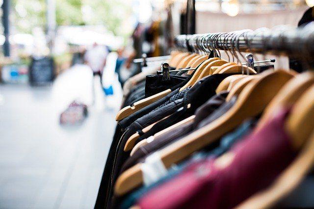 Оренбуржец вынес из магазина одежды товаров на 10 тысяч рублей.