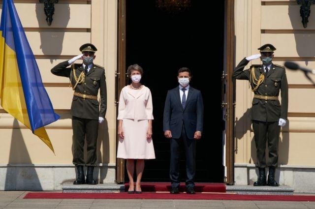 Зеленский призвал Швейцарию присоединиться к развитию туризма в Украине