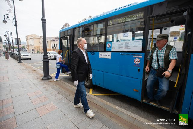 Глава города присутствовал при запуске автобуса номер 5.