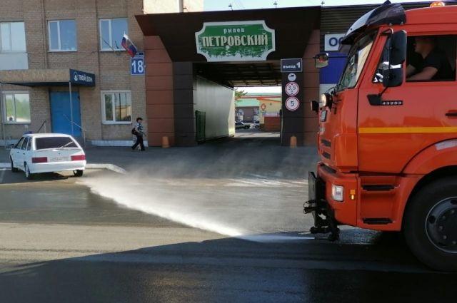 """В Оренбурге рынок """"Петровский"""" готовят к открытию."""