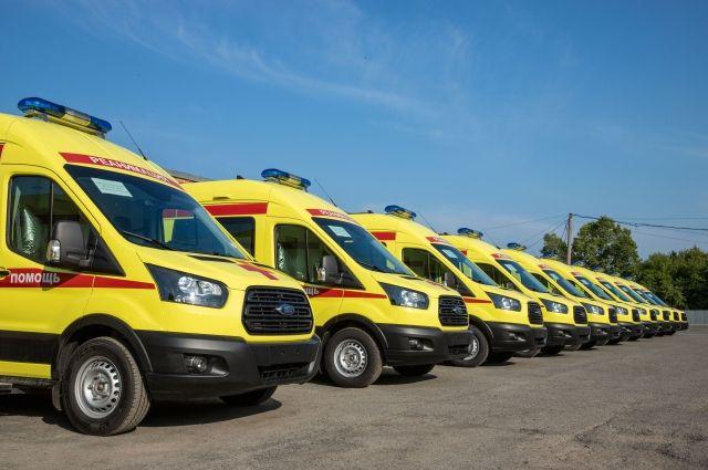 За 2018-2019 годы в медицинские организации Кузбасса поставлены 50 машин скорой медицинской помощи.