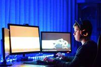 Важно научить детей и подростков безопасному поведению в интернете, ведь в первую очередь они попадают под влияние киберпреступников.