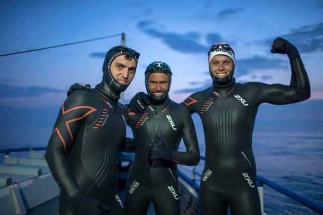 Заур Закраилов (слева) переплыл Байкал с друзьями.