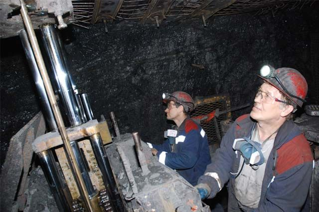 Поддержку федеральных властей получат шахтёры Кузбасса, Ростовской области, Дальнего Востока и Восточной Сибири. Наши горняки государству оказались неинтересны.