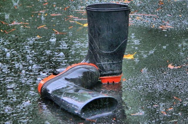 Пользователи выкладывают в сеть фото затопленных улиц