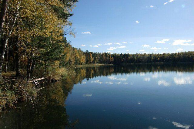 Точная глубина Святого озера никому неизвестна, а водоём уже оброс множеством легенд.