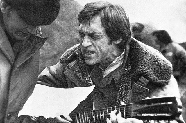 На съемках фильма «Единственная дорога» («Окованные шофёры») — совместный советско-югославский односерийный художественный фильм о Второй мировой войне, снятый в 1974 году югославским режиссёром Владо Павловичем.
