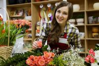 Средняя зарплата в рознице равна 30 000 рублей.