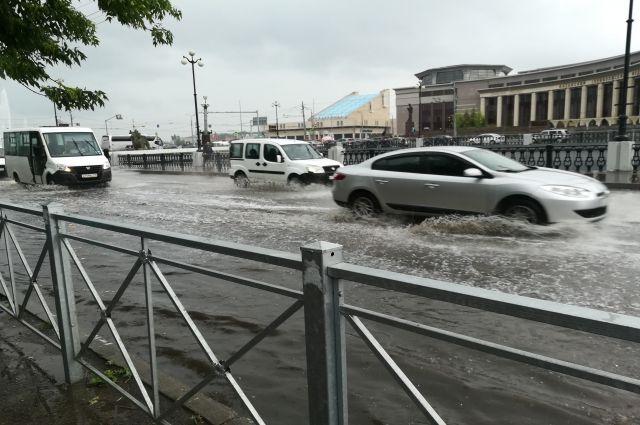 В Венецию ехать не надо! Казань опять затопило во время дождя