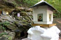 Свято-Троицкий источник в Александровском посещают паломники и местные жители.
