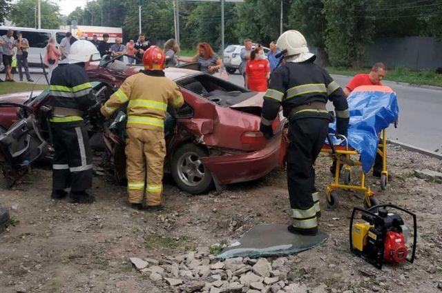Не пропустил «скорую»: в Хмельницкой области ДТП с девятью пострадавшими