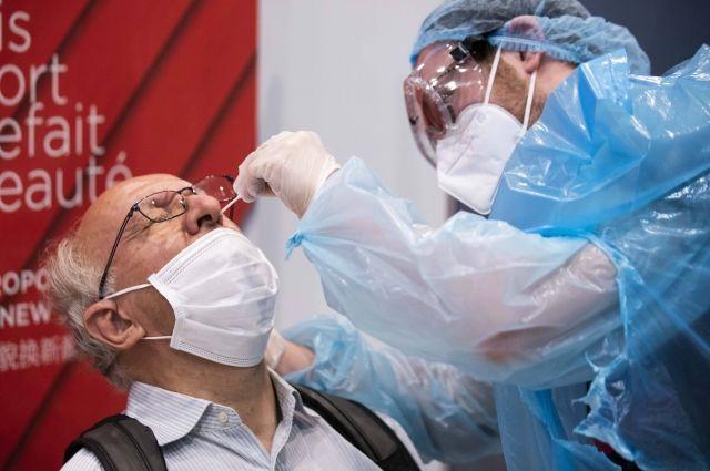 Во Франции тестирование на коронавирус сделали бесплатным