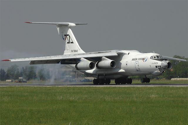 Ил-76ТД борт RA-76842 в 2010 году.