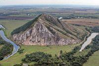 Одна из главных природных достопримечательностей Башкирии - шихан Торатау.