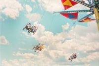В Ижевске посетители Летнего сада застряли на аттракционе на высоте