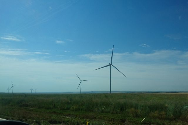 Пока нет официальных заключений о том, чтобы сделать вывод о вреде ветряков.