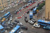 Пробки у Нового моста в Твери впечатляют!
