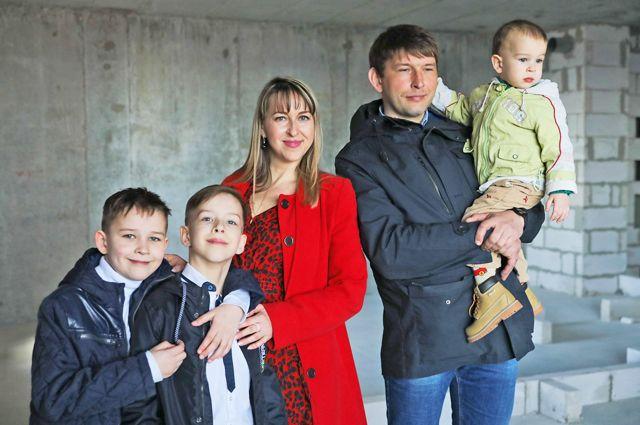 Волгоградцы Косовы готовятся к переезду в новую квартиру.