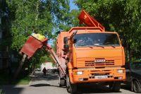 Проблему с вывозом мусора в Оренбурге Владимир Ильиных видит в том, что оператор работает с «небольшой инвестиционной привлекательностью».