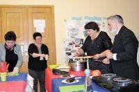 Участники кулинарного клуба готовят самые разные блюда и приобщаются к культуре и традициям своего народа.