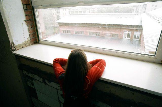 У ребёнка не должно быть свободного доступа к открытому окну.