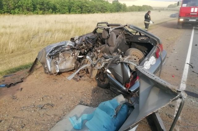 В Переволоцком районе в ДТП с КамАЗом погиб водитель легкового автомобиля
