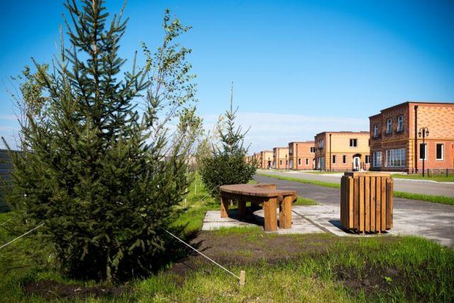 Журналисты «АиФ-Новосибирск» заглянули в райские уголки по соседству с шумным мегаполисом и узнали, как проводят жаркое лето жителей коттеджных поселков.