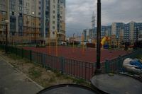 В Салехарде продолжается строительство и ремонт детских площадок Депутаты о