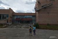Детям, живущим в районе бывшего здания ДК Птицеводов, очень нужны творческие кружки и спортивные секции.