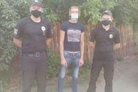 В Луганской области пьяный мужчина сжег государственный флаг