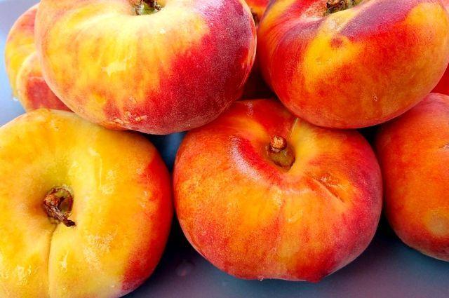 Кому нельзя есть персики?