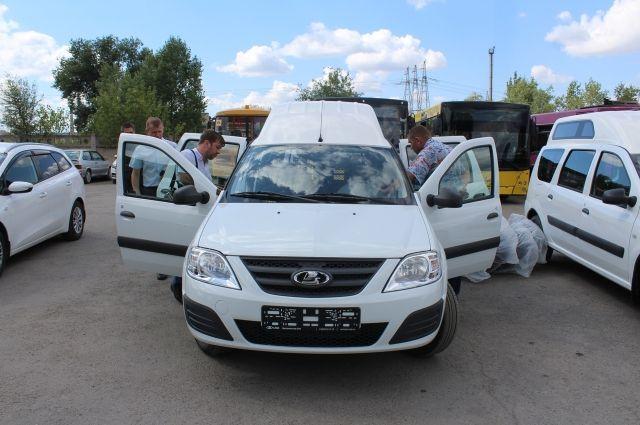 В Тольятти будет работать социальное такси - 3 новых автомобиля LADA Largus