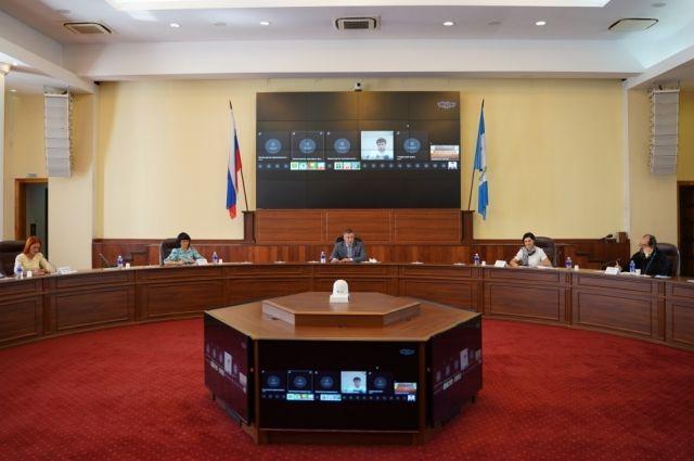 Глава Иркутской области пообщался с представителями НКО.