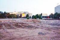 В Оренбурге почти завершилась расчистка площади на месте недостроя.