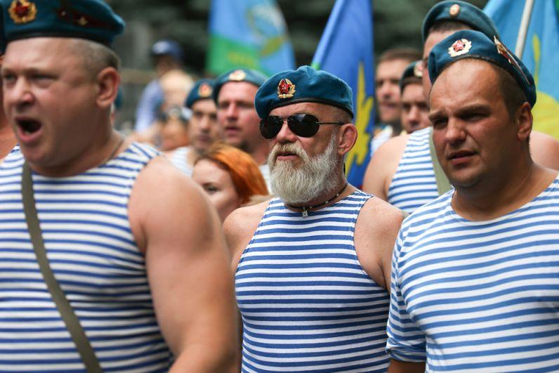 Десантники на праздновании Дня Воздушно-десантных войск в Краснодаре.