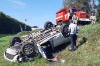 В аварии погибли 61-летний водитель и его 41-летняя дочь.