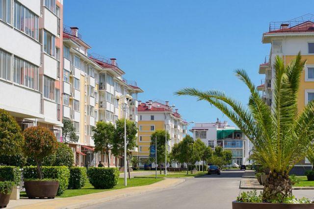 По данным туроператоров Сочи, в сетевых отелях зарегистрироваться уже практически невозможно.