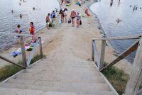 В Соль-Илецких озерах искупались первые туристы.