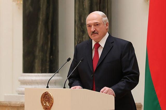 Лукашенко предложил провести референдум по конституции страны
