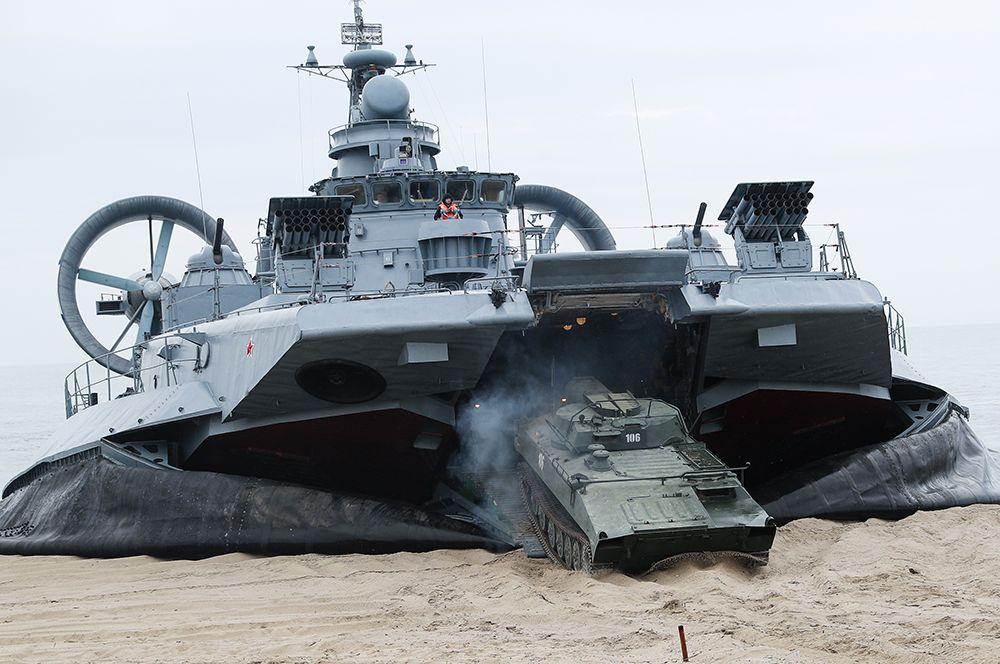 Малый десантный корабль на воздушной подушке «Евгений Кочешков» проекта 12322 «Зубр».