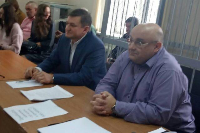 Адвокат экс-мэра Оренбурга назвал обвинения в адрес Арапова недоказанными и абсурдными.