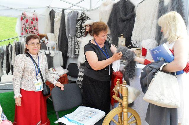 Урюпинские мастерицы работают под руководством Раисы Казимировой уже 13 лет.