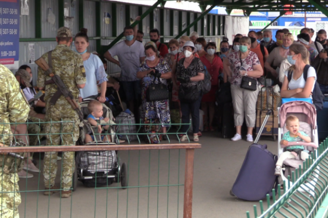 В Украине упростят пересечение КПВВ «Станица Луганская»