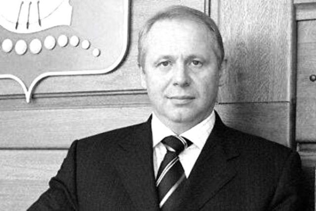 Калининградцы простились с бывшим мэром Юрием Савенко
