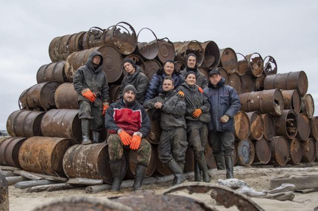 Волонтеры расчистили 343 га на территориях Харасавэя и острова Вилькицкого