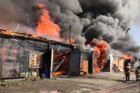Локализовать возгорание удалось спустя три часа.