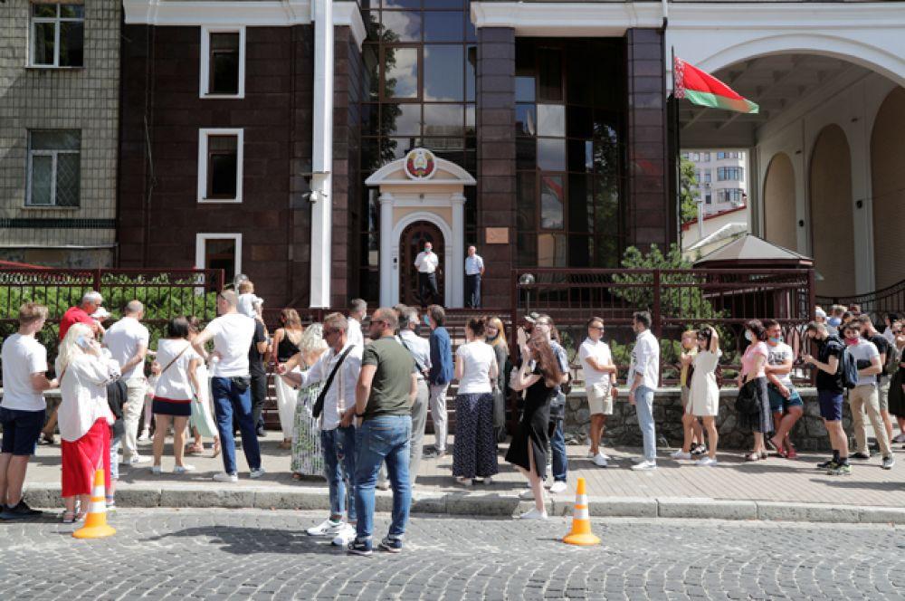 Выборы президента Белоруссии в Киеве.